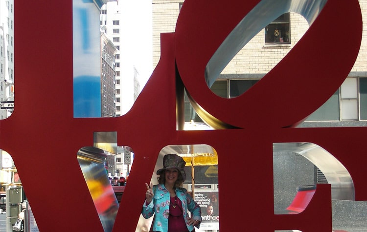 Love-sculpture-in-NYC
