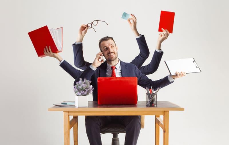Salesman-Using-Presentation-in-Many-Ways
