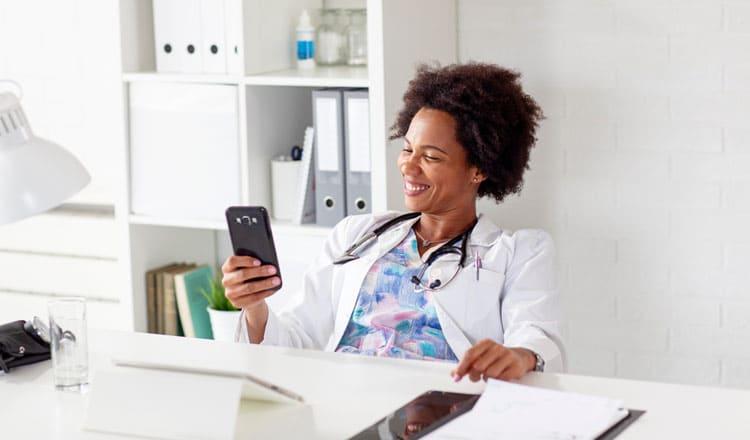 Nurse-using-brand-script-on-phone